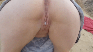 Amateur Wife Gets Creampied On Public Beach